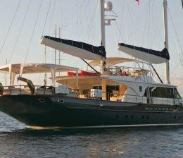 Crewed Yachts